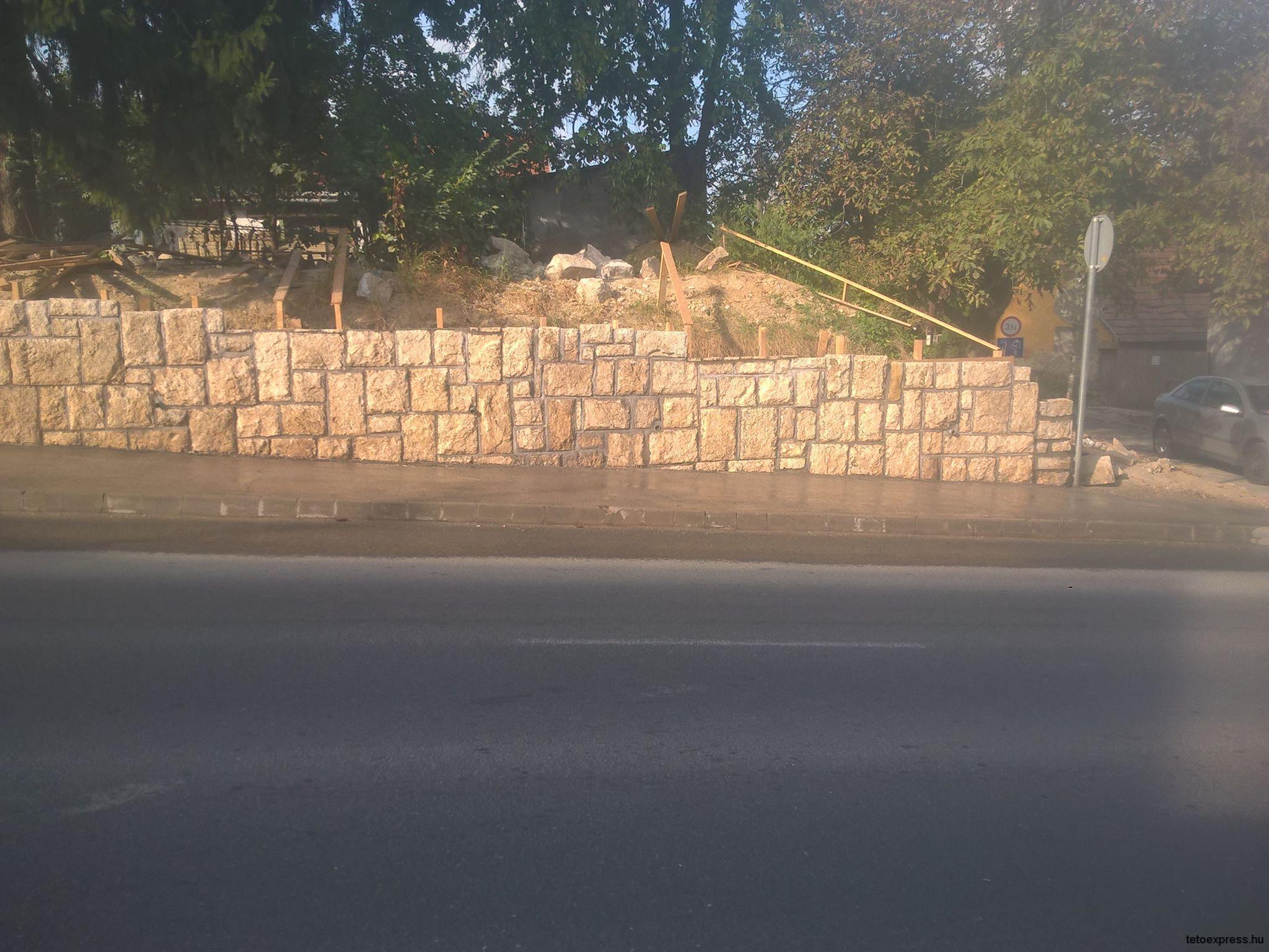 Kő kerítés építésről készült képek